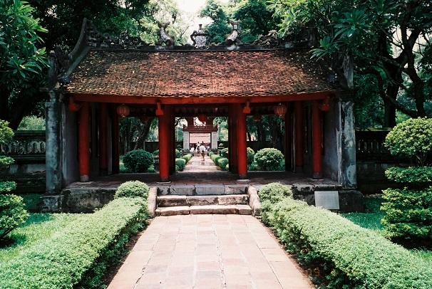 Tour du lịch Hà Nội - Hạ Long - Tuần Châu - Yên Tử