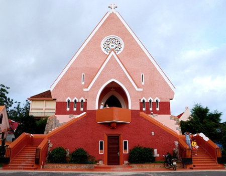 Khám phá nhà thờ Domaine De Marie - Du lịch Đà Lạt