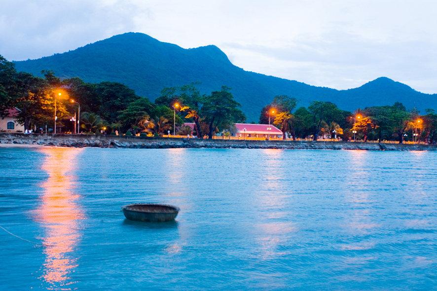 Nét đẹp và cuộc sống yên bình trên Côn Đảo