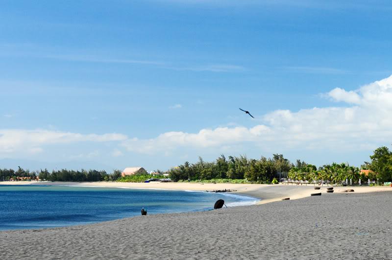 Biển Ninh Chữ hoang sơ nhưng hấp dẫn