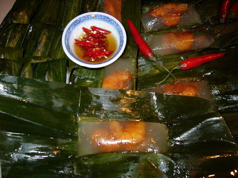 Du lịch Miền Trung - Bánh bột lọc Huế nhân tôm thịt rim