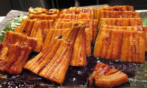Món lươn nướng tại Nhật Bản