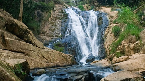 Du lịch Phú Yên khám phá thác Hang Cọp gắn liền với lịch sử