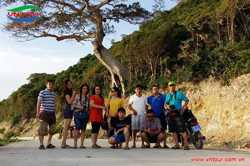 Trung tâm hợp tác nguồn nhân lực Việt Nam-Nhật Bản ( VJCC-HCMC) tham quan Đảo Nam Du, tháng 7/2015.