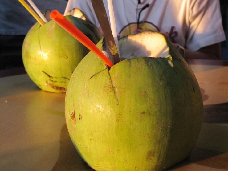 Dừa thức uống ưa thích tại Phan Thiết