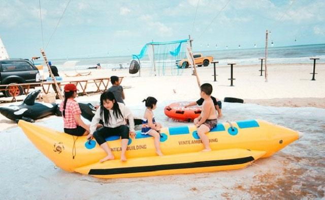 Vui chơi tại coco beach camp lagi