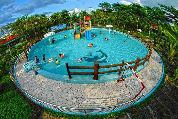 hồ bơi thiếu nhi khu du lịch bữu long