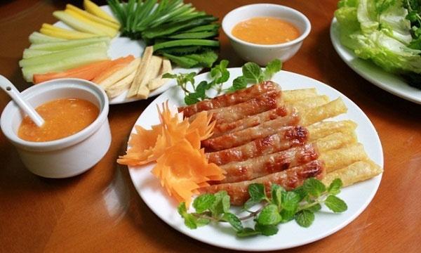 Nem nướng - món ăn ngon đà lạt