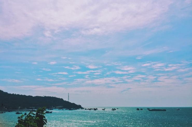 Một bầu trời rực nắng cả hòn đảo. Ảnh @lifeofpi73