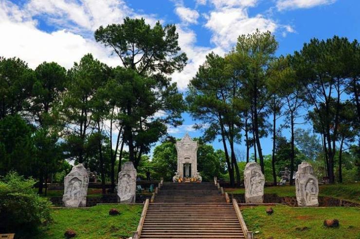 Tour du lịch Quy Nhơn - Huế - Phong Nha 7 ngày 6 đêm