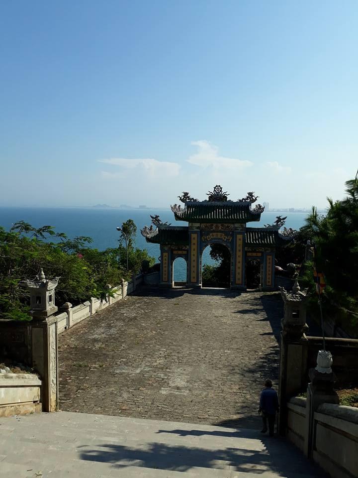 du Lịch Đà nẵng chùa Linh ứng