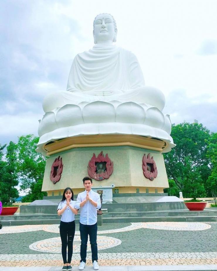 Chùa Long Sơn (chùa Phật trắng) Nha Trang