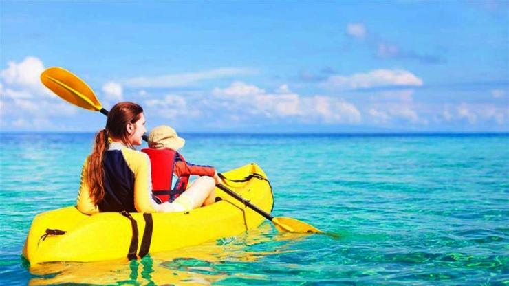 Chèo thuyền Kayaka trên đảo Hòn Tằm