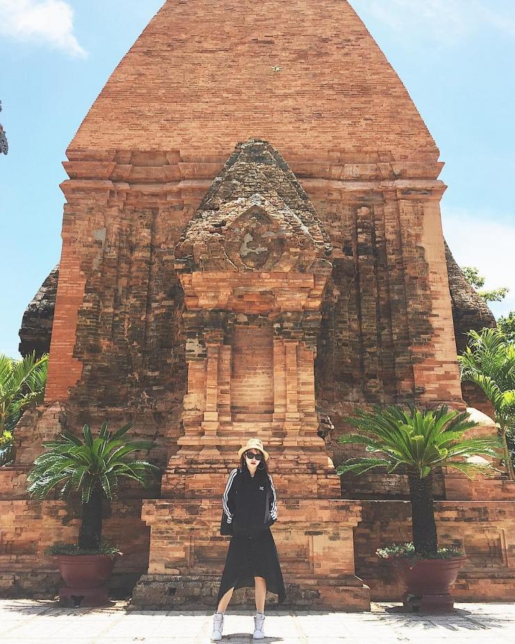 Vẻ đẹp cổ kính mang tên Tháp Bà Ponagar
