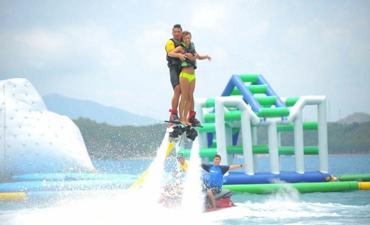 Trò chơi Fly board trên đảo Hòn Tằm Nha Trang