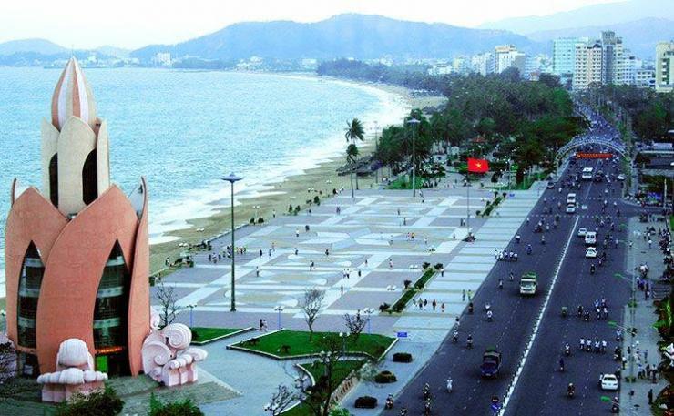 bãi tắm Nha Trang 1