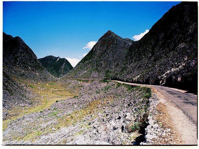 """Tháng 10/2010 """"Công viên Địa chất Cao nguyên đá Đồng Văn"""" được UNESCO chính thức công nhận là công viên địa chất toàn cầu"""