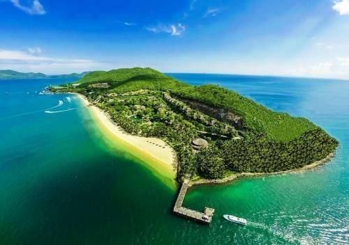 đảo Hòn Mun nhìn từ trên cao xuống