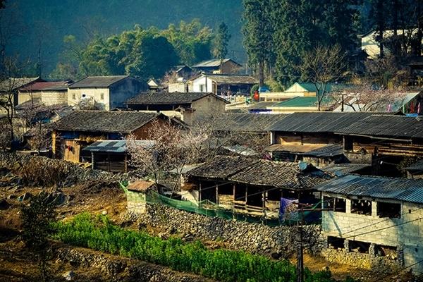 Phố cổ Đồng Văn kéo dài qua nhiều thời kỳ, trở thành điểm du lịch thu hút hiện nay