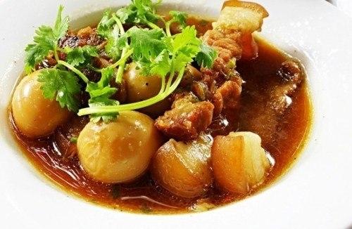 Món thịt kho trứng thơm ngon hấp dẫn khôn thể thiếu trong ngày tết của người Miền Nam