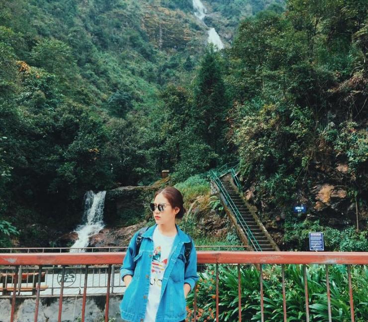 Ngắm cảnh thác Bạc Sapa
