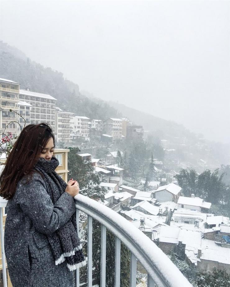 Sapa vào đông tràn ngập lớp sương mù dày đặc trên những mái nhà