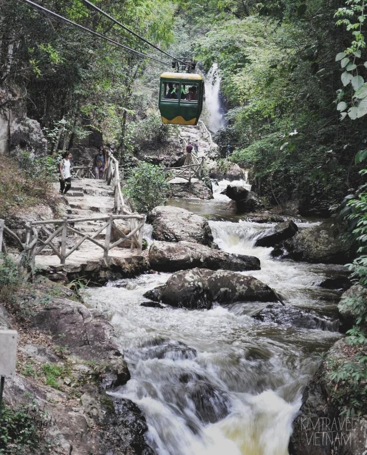 cáp treo thác Datanla ở Đà Lạt