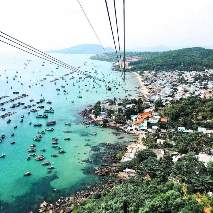 Hòn Thơm là một thắng cảnh quyến rũ mà khi đến Phú Quốc bạn không nên bỏ qua