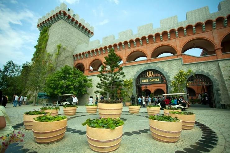 Tour du lịch Phan Thiết - Mũi Né: Lâu đài rượu vang - Hòn Rơm