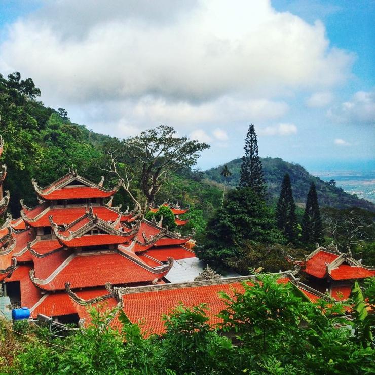 Tour du lịch Phan Thiết Nha Trang: Đồi Cát Bay - Vinpearl Land