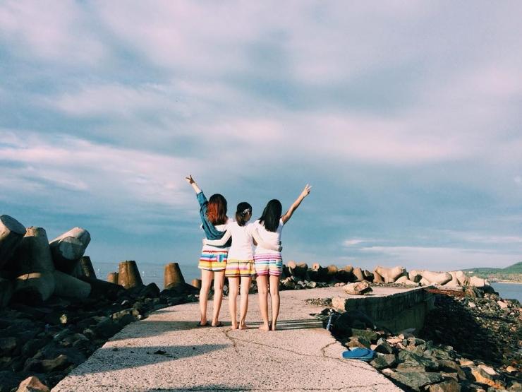 Bãi biển Đá Ông Địa