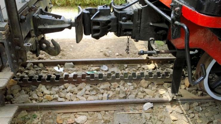 Đường sắt căng cưa còn sót lại tại ga Đà Lạt