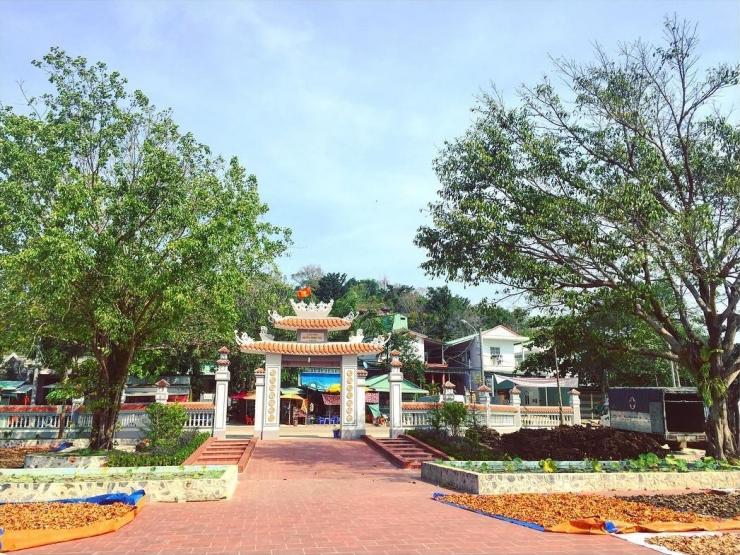 Ngôi đền lớn nhất trong số chín ngôi đền thờ Nguyễn Trung Trực trên địa bàn tỉnh Kiên Giang