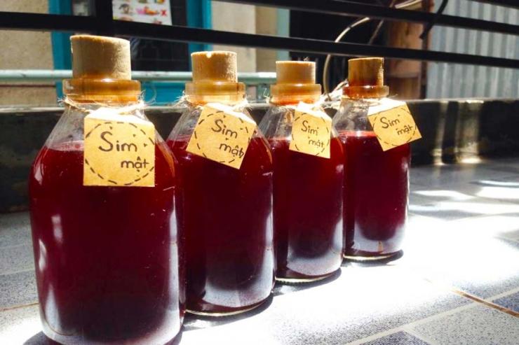 Rượu sim trở thành một loại đặc sản, một món quà không thể thiếu cho mỗi du khách khi đến với đảo Phú Quốc