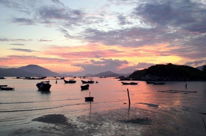 Một chút thoáng qua trên bãi biển Sơn Đừng Vịnh Vân Phong