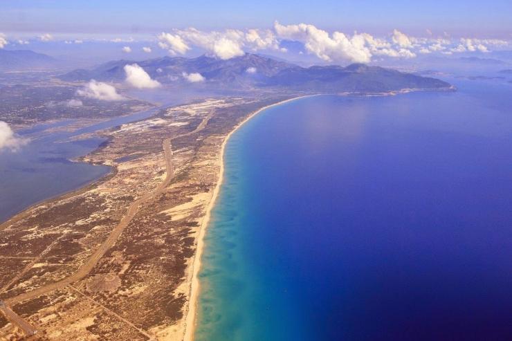 Toàn cảnh Vịnh Vân Phong nhìn từ trên cao