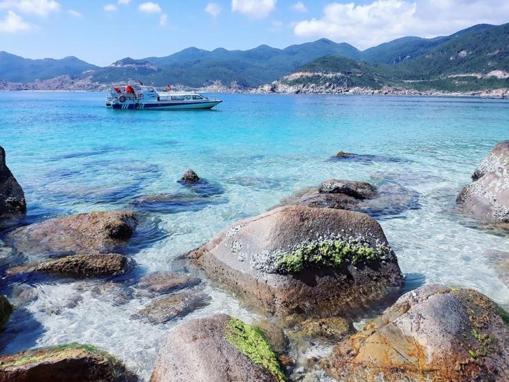 Tour du lịch Ninh Chữ 2 ngày 2 đêm: Đảo Bình Hưng - Hang Rái