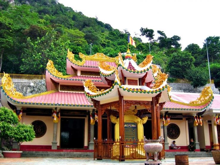 Tour du lịch Tây Ninh Củ Chi 1 Ngày