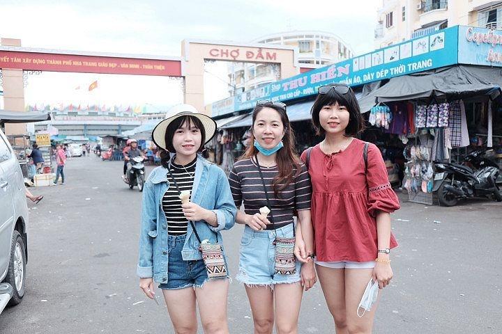 Tour du lịch Nha Trang KDL Trăm Trứng - Bãi Dài - Vinpearl Land
