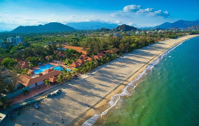 Cảnh biển Ninh Chữ nhìn từ trên cao