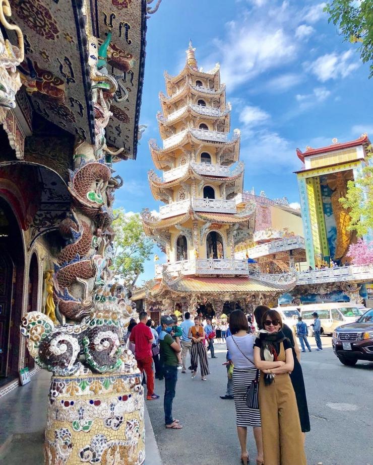 Tháp Đa Bảo ở chùa Linh Phước (chùa Ve Chai)