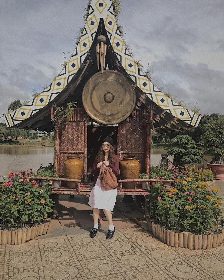 Checkin tại vườn hoa thành phố Đà Lạt