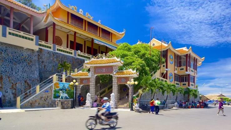 Tour du lịch Vũng Tàu: Long Hải - Suối nước nóng Bình Châu