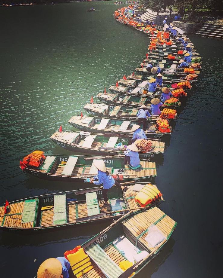 Tour du lịch Hà Nội - Ninh Bình - Chùa Hương
