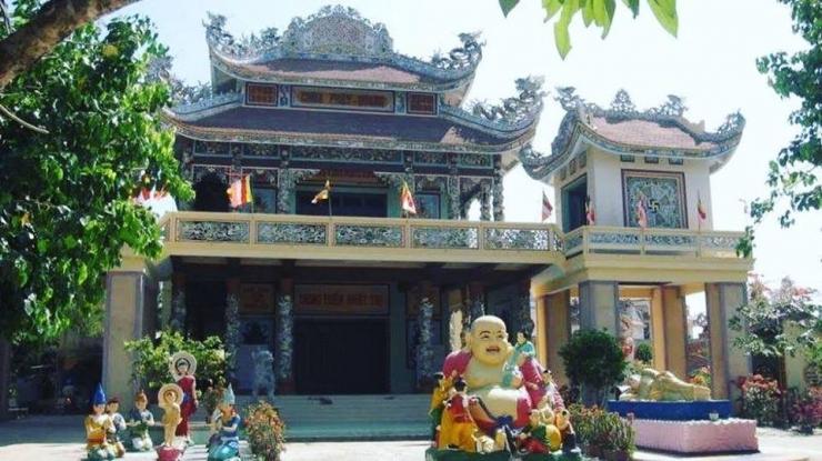 Tour du lịch Phan Thiết Mũi Né: Lâu Đài Rượu Vang - SeaLinks City