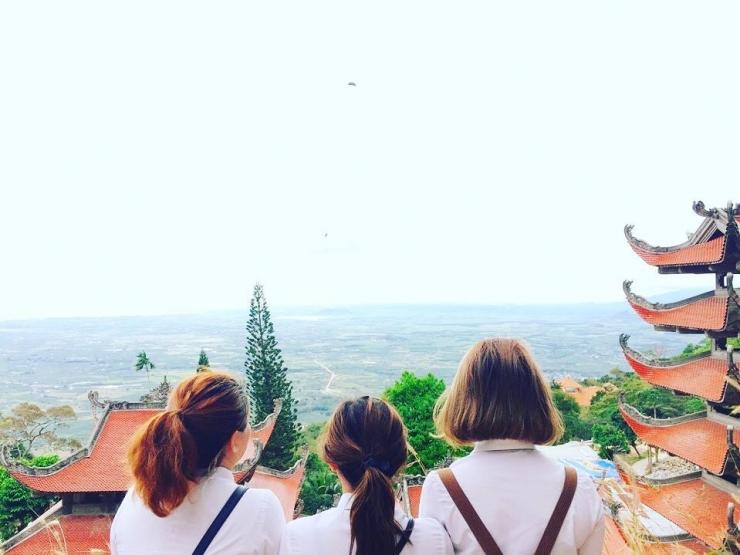 Tour du lịch Phan Thiết Mũi Né: Khu du lịch núi Tà Cú - Đồi Cát Bay