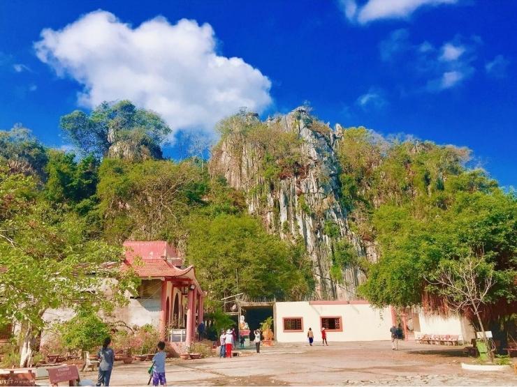 Chùa Hang Kiên Giang