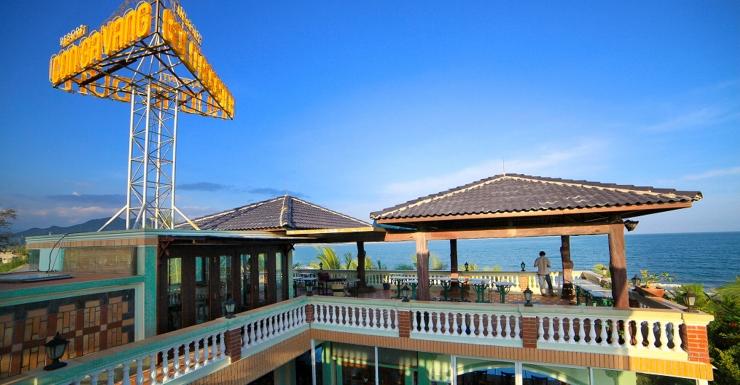 Con Gà Vàng Resort