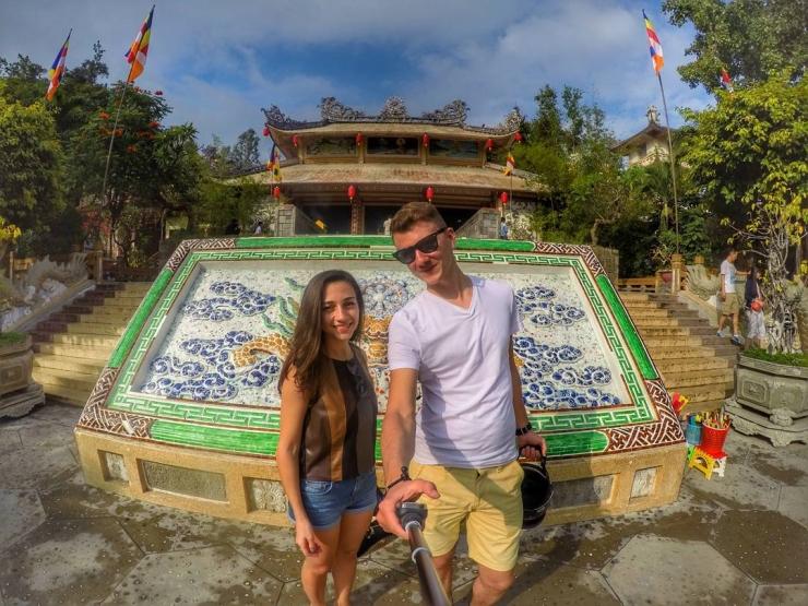 Checkin trong khuôn viên chùa Long Sơn Nha Trang