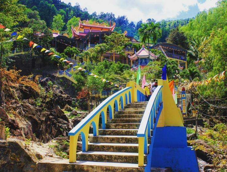 Đường lên chùa Suối Đổ Nha Trang